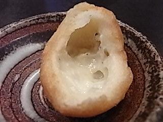 とびっちょ たこ島しらすパン断面図.JPG