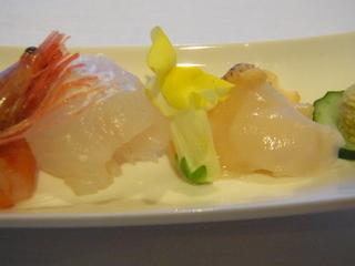 滑川光彩白身魚と貝むの刺身.JPG