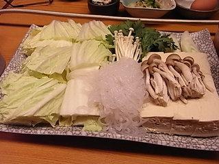 米沢市鳥勝米沢牛すき焼き野菜類.JPG