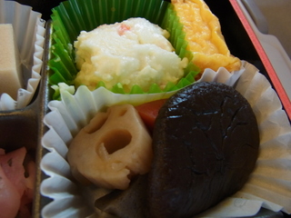 豚肉南部焼き弁当付け合わせ1.JPG