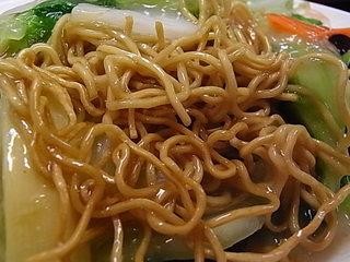 馬さんの店龍仙焼そばの麺.JPG