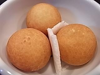 とびっちょ たこ島しらすパン.JPG