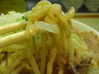 亀戸ラーメン店ごっつ東京鎌田菅野製麺所特製のちぢれ麺.JPG