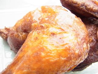 厚木肉ホルモンフェス2015鶏男名代鶏男の半身揚げ皮.JPG