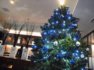 成城CORTYコルティCHEZ MATSUO店内のクリスマスツリー.JPG