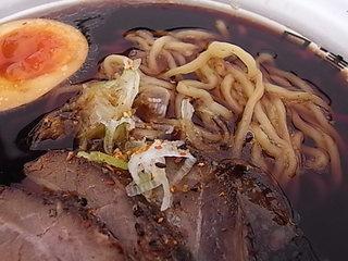 東京ラーメンショー2011麺家いろは富山ブラックラーメンの薬膳ペッパートッピング.JPG